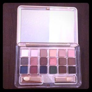 Estée Lauder- Deluxe Eyeshadow Compact